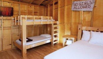 1 Queen & Bunk Cabin