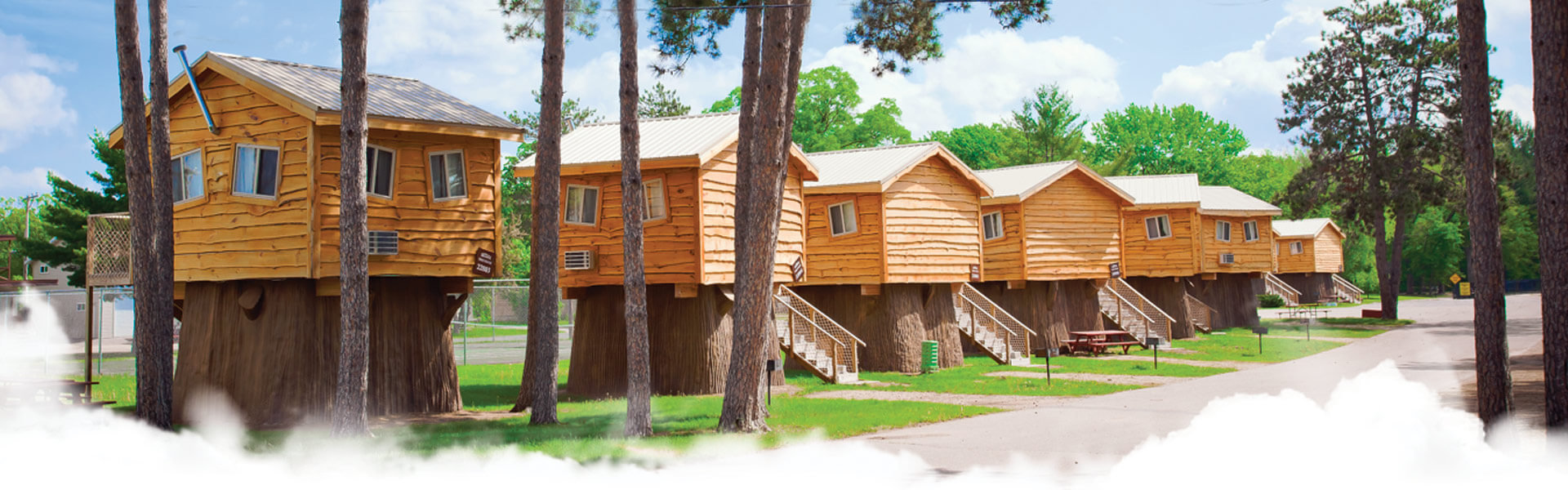 beach relax den s luxury the deal minutes conservation cabin home wisconsin cozy bed image to from ultimate area dells kayak property yards cabins experience bears in ha river